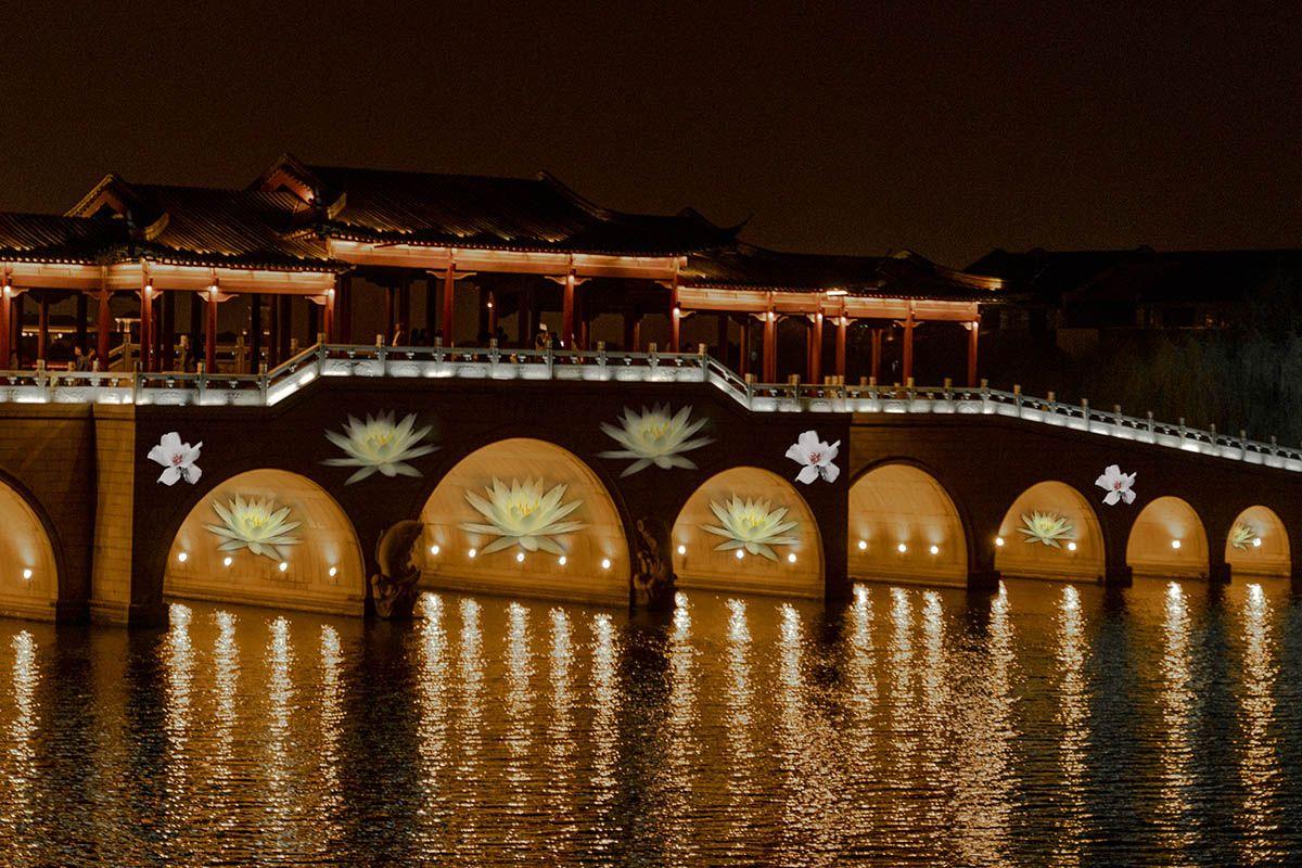 户外大桥投影